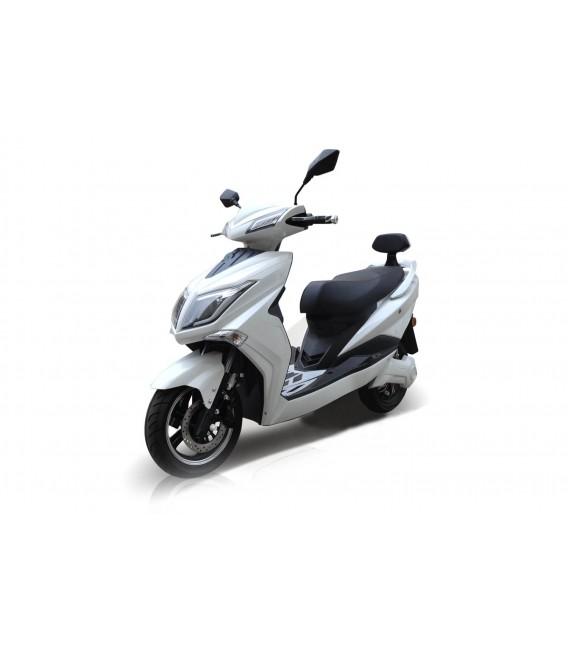 E-Scooter Hawk, modernes Design, Ansicht von vorne, Farbe: Schwarz mit Lithium Ionen Akku