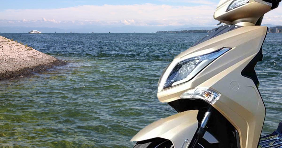 Konstanz Ufer mit Elekktroroller Hawk