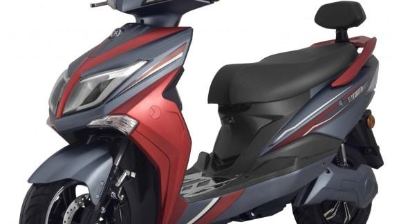 """Unser E-Roller """"HAWK"""", jetzt mit FRONT LED Beleuchtung und neuer Spezial-Verpackung"""